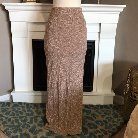 Forever 21 Dresses & Skirts - Forever 21 Light Brown/White Marled Maxi Skirt